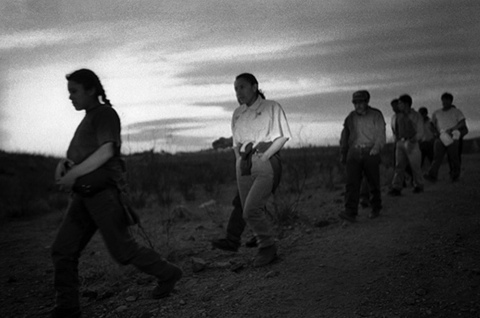 At Sundown Hundres Migrants March North Julian Cardona